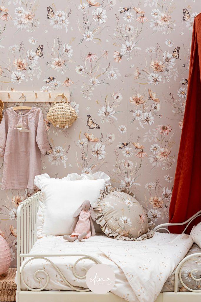 Meisjeskamer bloemen beddengoed