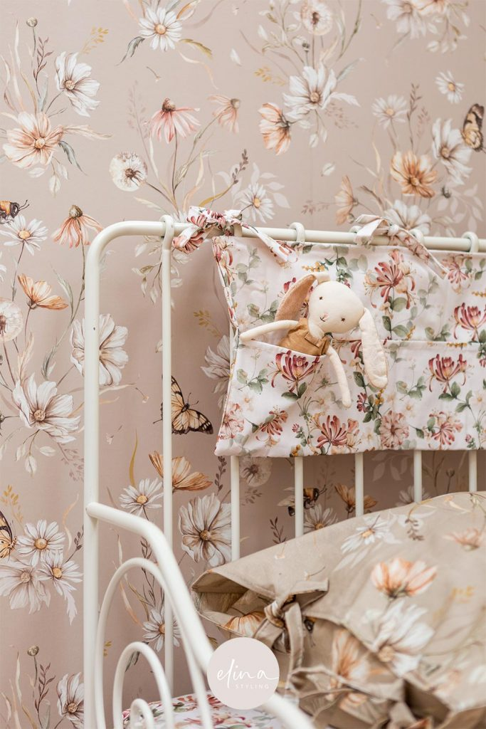 Bedpocket en beddengoed meisjeskamer bloemen