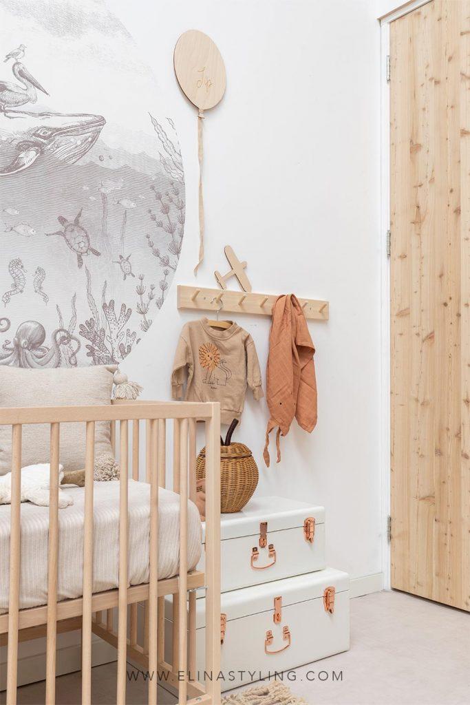Accessoires babykamer jongen naturel hout