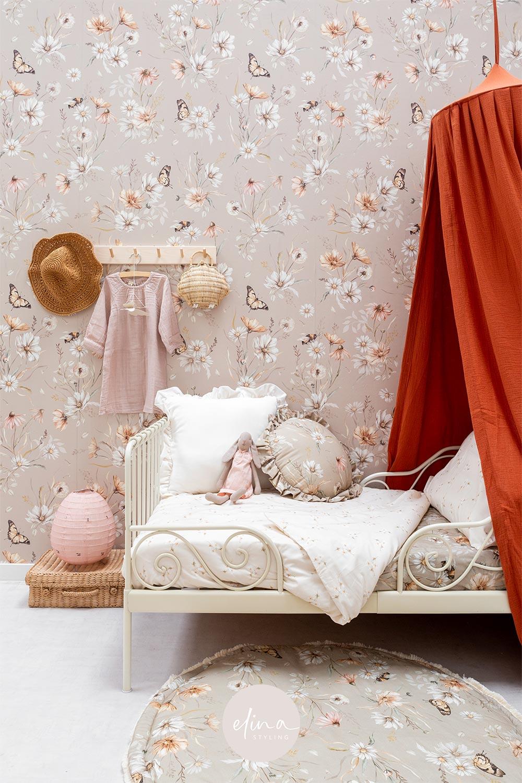 Meisjeskamer romantisch bloemen behang