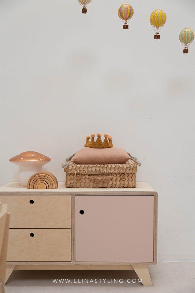 Mini dressoir kinderkamer speelkamer